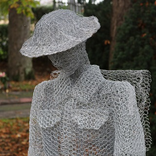 wire statue to commemorate Remembrance Day, taken in Ashinghton on 11 November 2019