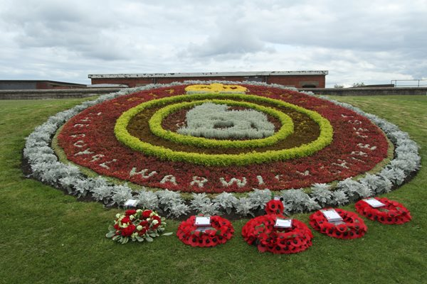 Image demonstrating Memorial held to mark 100th anniversary of tragedy at Blyth Beach