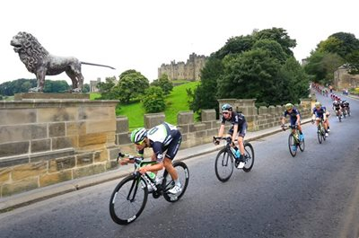 Thousands line streets to welcome Tour of Britain