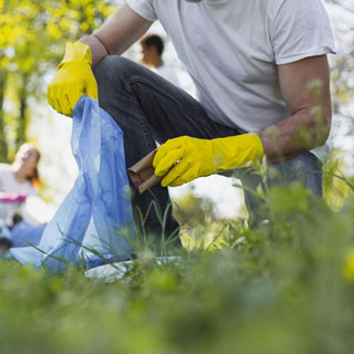 Image demonstrating Council to share community clean-up funds